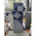Pomnik nagrobny projektu Henryka Stażewskiego na grobie Marii Ewy Łunkiewicz-Rogoyskiej i Jana Rogoyskiego, Warszawa, Powązki, 2019 r.